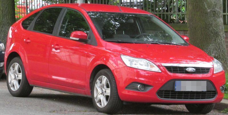 Ford Focus červený