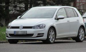 VW Golf bílý