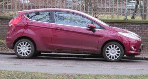 Fiesta třídvéřová fialová