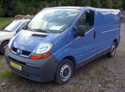 800px-Renault_Trafic_dCi_80