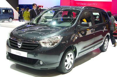 1280px-Geneva_MotorShow_2013_-_Dacia_Lodgy