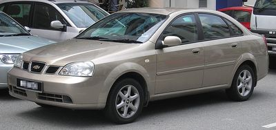 800px-Chevrolet_Optra_first_generation_front_Serdang