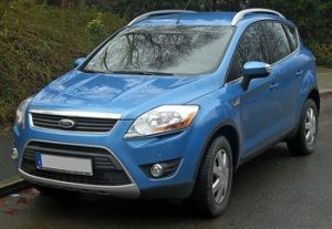 800px-Ford_Kuga_seit_2008_2.0_TDCi_front_MJ