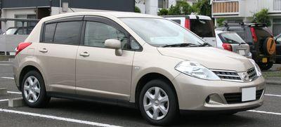 Střešní nosič Nissan Tiida