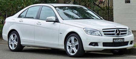 800px-2010_Mercedes-Benz_C_200_CGI_W204_Classic_sedan_03